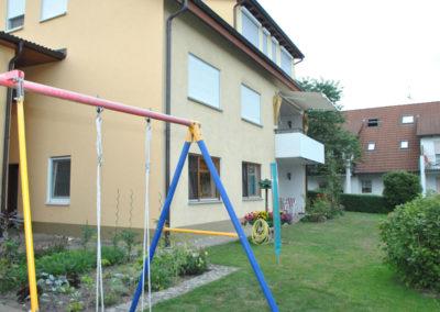 igel-ferienhaus-erdgeschoss-terrasse-garten-schaukel